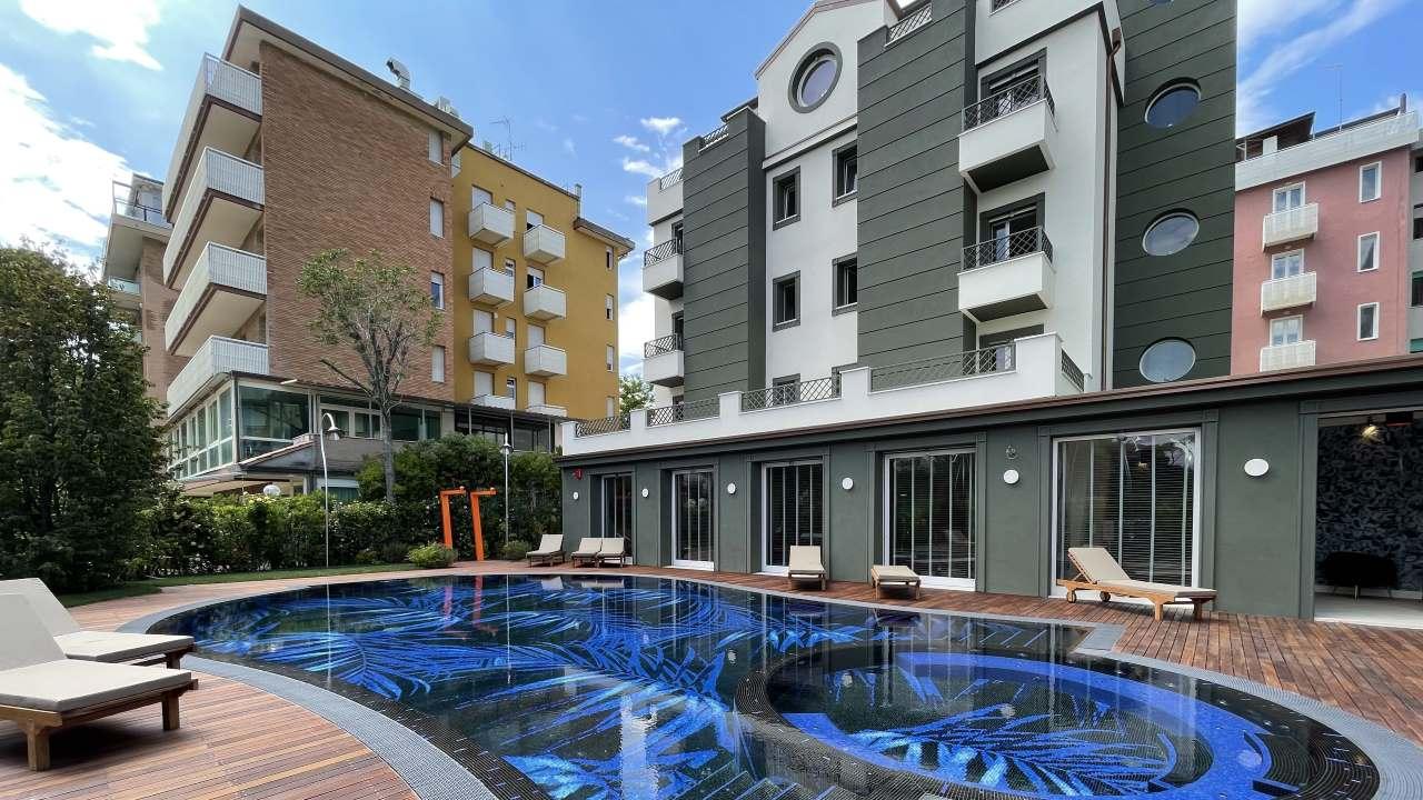 HotelBrasil-MilanoMarittima-piscina