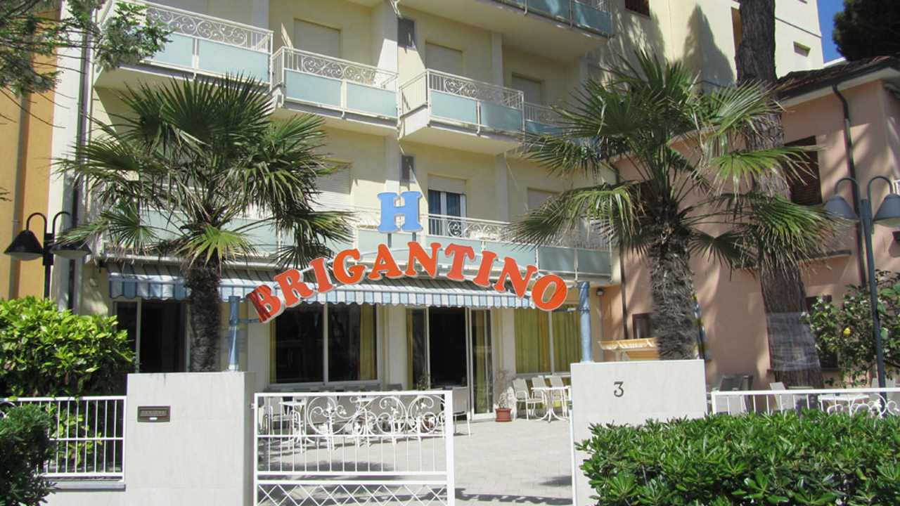 HotelBrigantino-MilanoMarittima-esterno