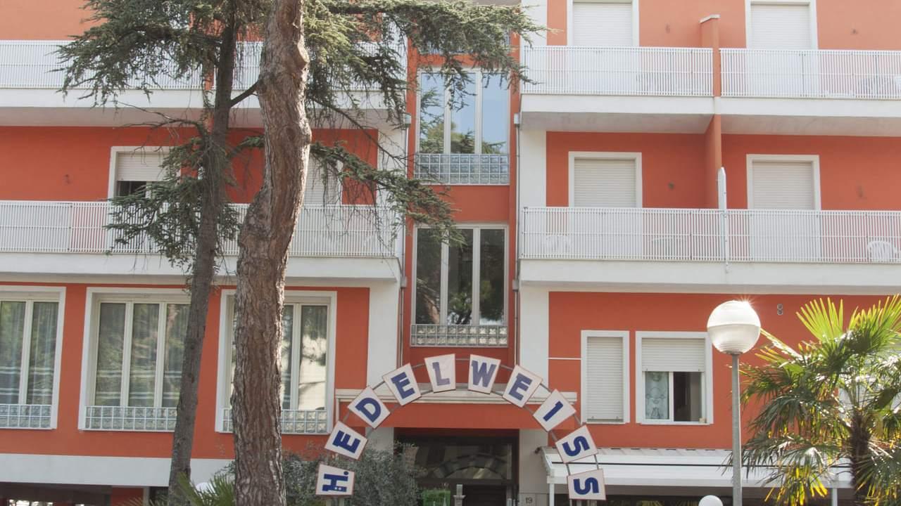 HotelEdelweiss-Pinarella-esterno