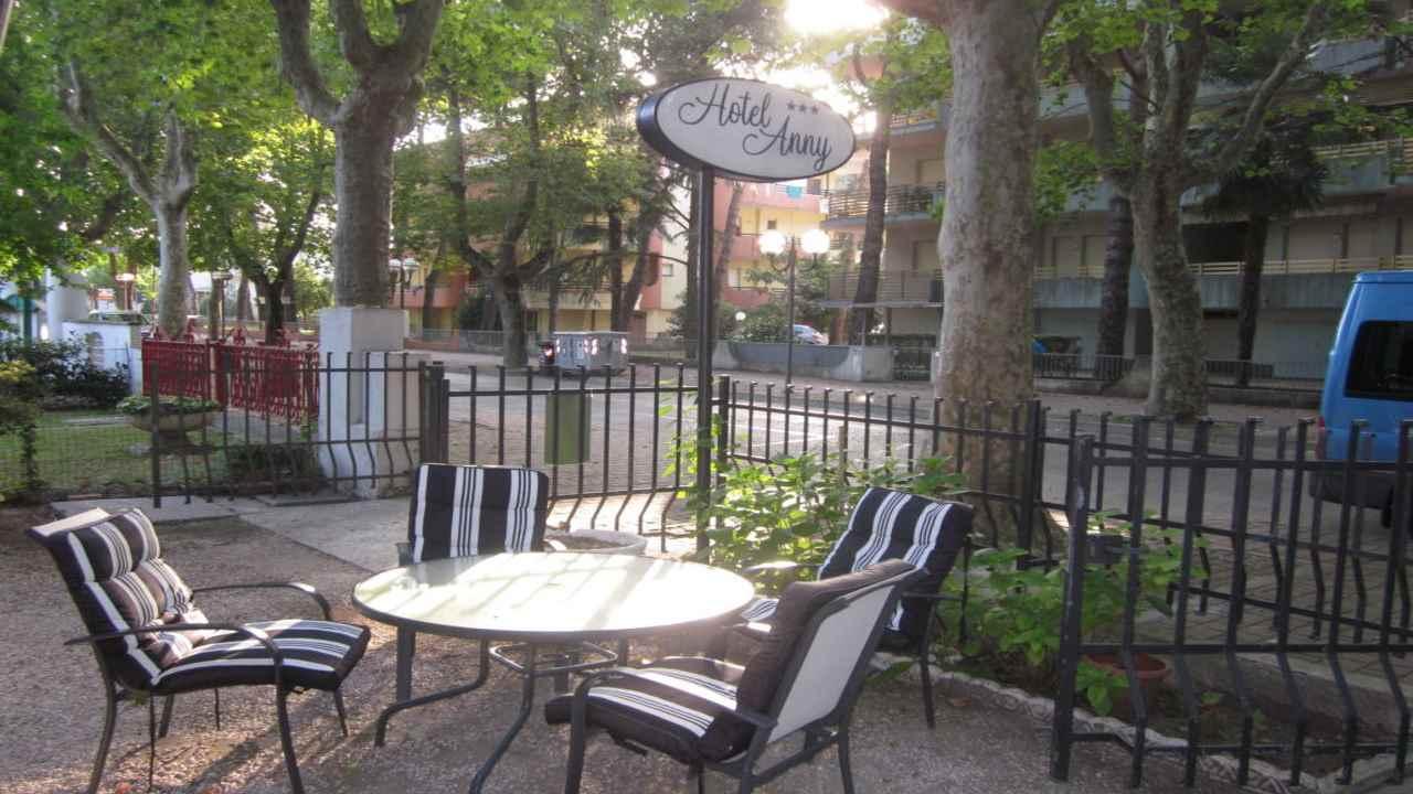 Hotel-anny-giardino1280X720