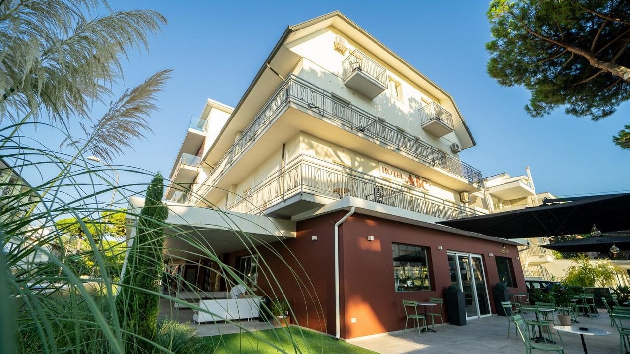HotelAbc-Pinarella-esterno
